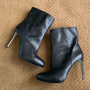 Louise et Cie black leather ankle boots 41/11